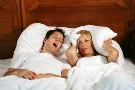couple-one-snoring-and-other-cant-sleep